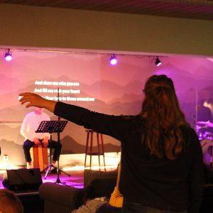 Jugendliche beim Worship
