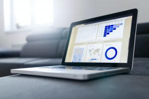 Laptop mit Analysetool
