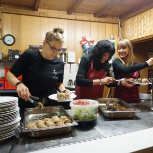 Frauen beim Kochen