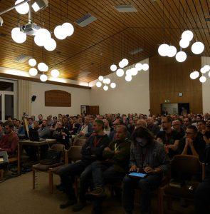 Zuhörer auf der Männerfreizeit der Calvary Chapel Siegen